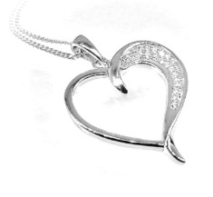 What Kind Of 925 Sterling Silver Jewelry Should I Gift To My Wife 002